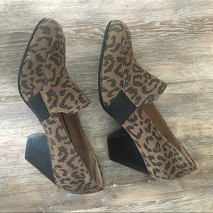 New!!! Sofft leather cheetah print heels 👠 6.5M